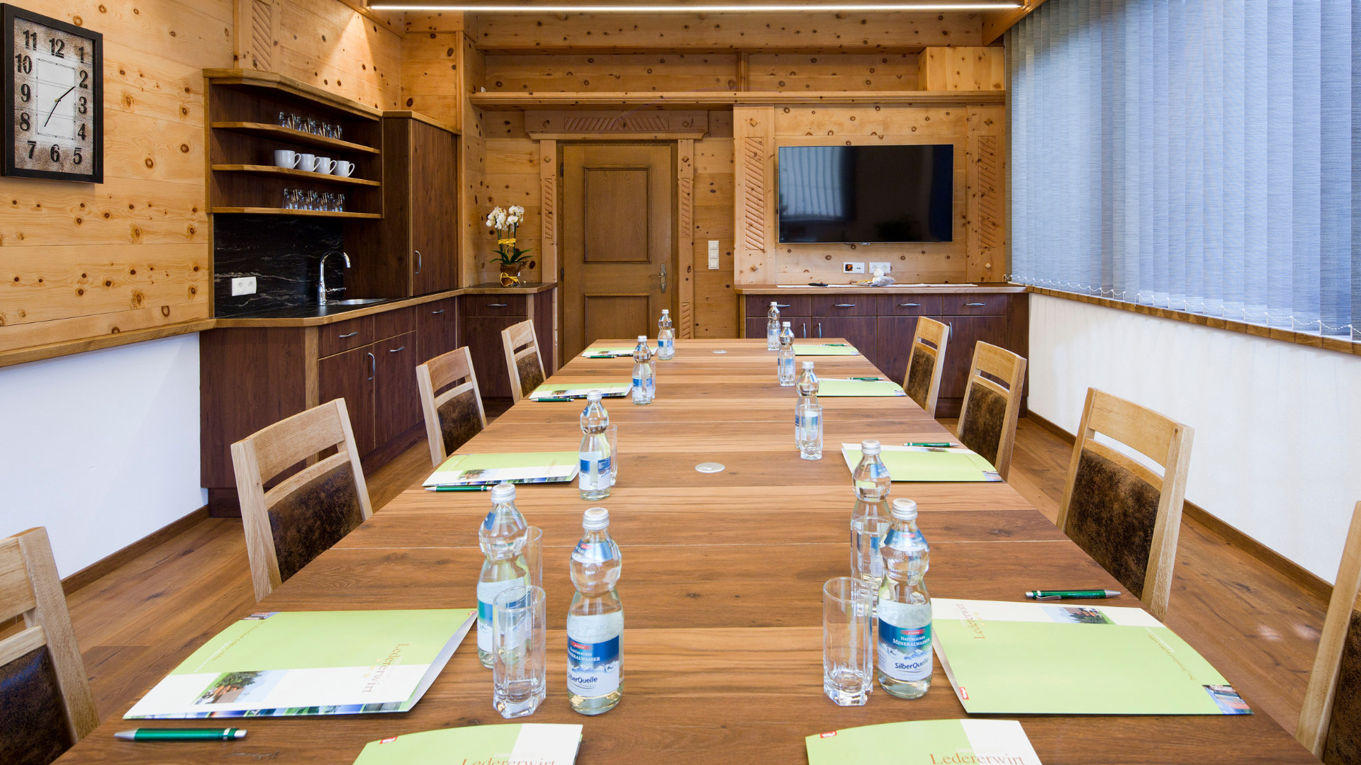 ledererhof-gasthof-pension-ebbs-zimmer-hotel-tirol-zimmer-urlaub-ferienwohnungen-kufstein-seminarraum-2